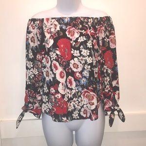 ☀️3/$30 Off the Shoulder Floral Top